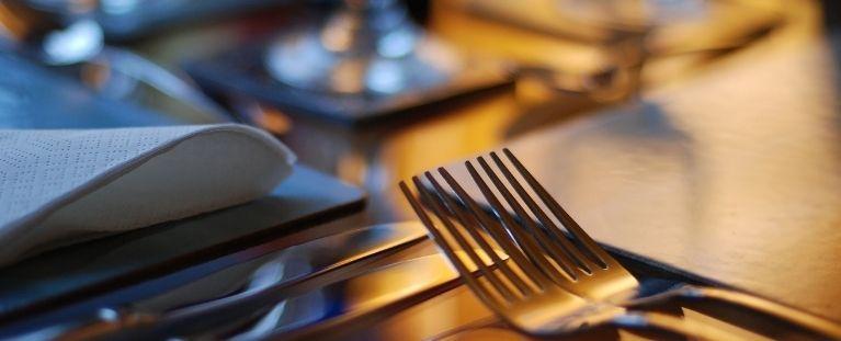 À mesa