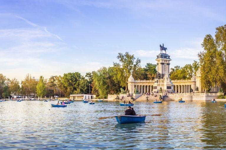Madrid, Andaluzia<br>e Catalunha