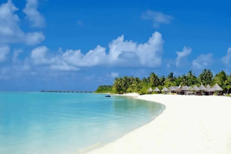 Innahura Maldives Resort 4*