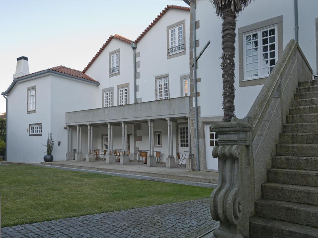 Melo Alvim Hotel